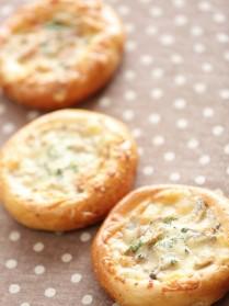 手作りパン(きのこグラタンパン)